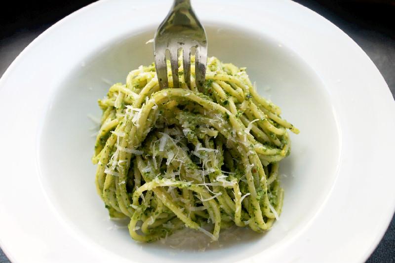 Creole Contessa: Spaghetti with Parsley Pesto