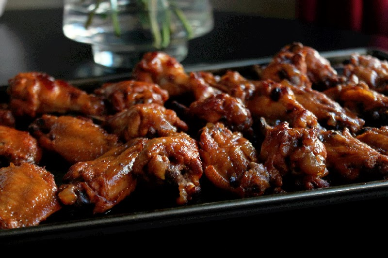 ... to present to you, my Slow Cooker Sweet and Tangy Chicken Wings