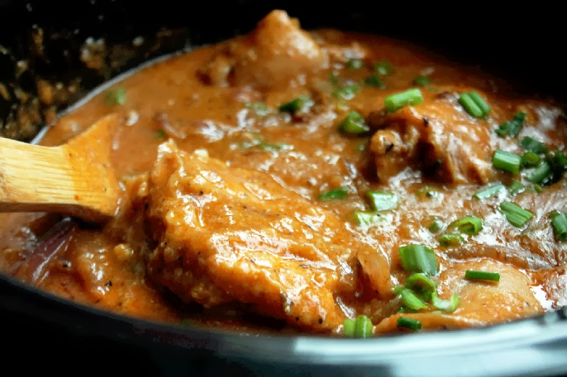Smothered Chicken with Mushroom Gravy in the Slow Cooker-Creole ...