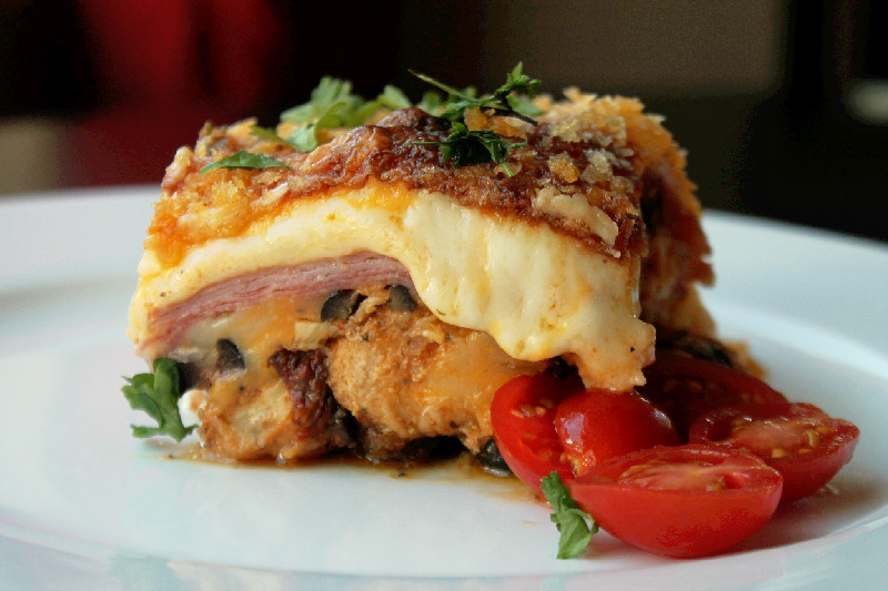 Cheesy Chicken Cordon Bleu Casserole